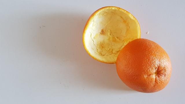 Préparation des écorces d'orange